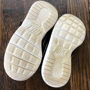 Nike Shoes - Toddler black Nike Sneakers 🌑